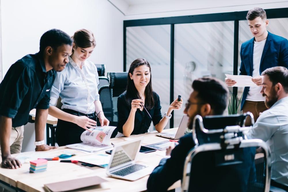 6 importanti consigli per migliorare continuamente il livello di inglese nella tua azienda - Wall Street English