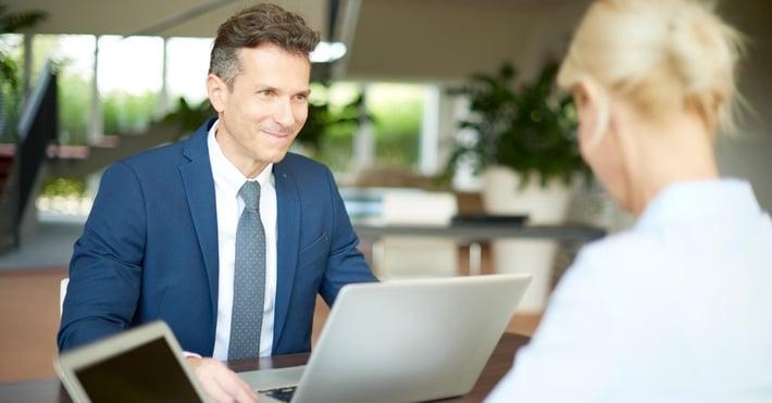 Come rispondere ad una Business Mail in inglese frasi utili e esempi - Wall Street English