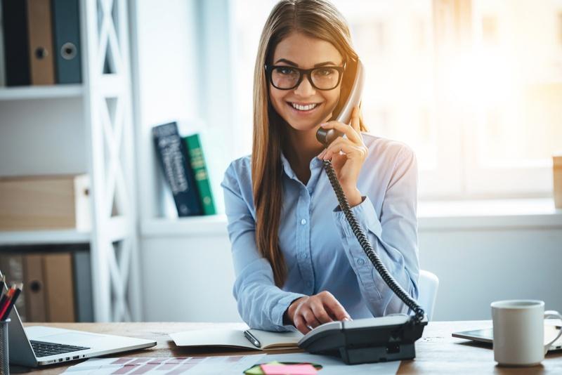 Ufficio Acquisti In Inglese : Rispondere al telefono in inglese: frasi formule e consigli utili